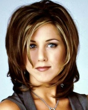 Jennifer Anniston as the iconic Rachel in nude brown